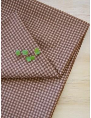 Ткань 100 % хлопок, Клетка коричневая 8 мм, ширина 110 см, плотность 155 г/м2.