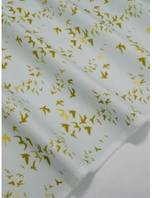 Ткань 100 % Хлопок Птицы с глиттером на голубом фоне 150 (г/м2), ширина 110 см.