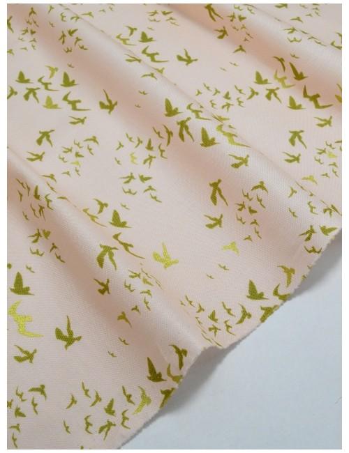 Ткань 100 % Хлопок Птицы с глиттером на персиковом фоне 150 (г/м2), ширина 110 см.