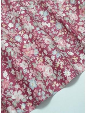 Ткань 100 % Хлопок Мелкие цветы на бордовом фоне 155 (г/м2), ширина 110 см.