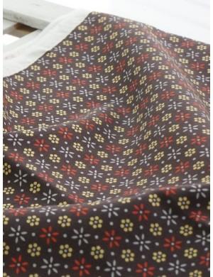 Ткань 100 % Хлопок, Мелкие цветы на коричневом фоне , Плотность 150 г/м2, ширина 110 см.