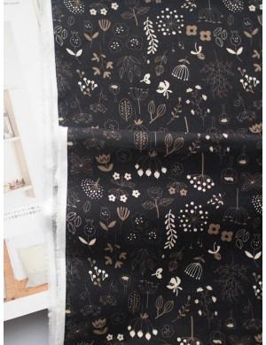 Ткань 100 % Хлопок, Полевые цветы на черном фоне , Плотность 155 г/м2, ширина 110 см.