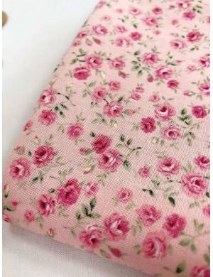 Ткань 100 % Хлопок, Мелкие розочки на розовом фоне , Плотность 155 г/м2, ширина 110 см.