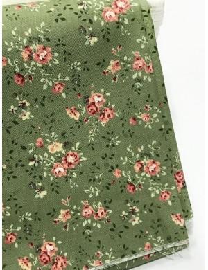 Ткань 100 % Хлопок , Букеты роз на зеленом фоне , Плотность 155 г/м2, ширина 110 см.