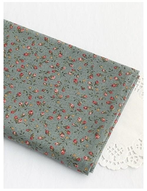 Ткань 100 % Хлопок, Бутоны роз на серо-горубо-зеленом , Плотность 155 г/м2, ширина 110 см.