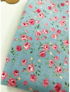 Ткань 100 % Хлопок, Розочки на голубом , Плотность 155 г/м2, ширина 110 см.