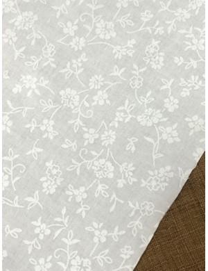 Ткань 100 % Хлопок, Белые цветы на белом , Плотность 155 г/м2, ширина 110 см.
