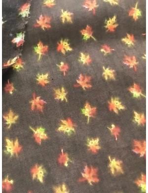 Ткань 100 % Хлопок, Осенние листья на коричневом фоне , Плотность 155 г/м2, ширина 110 см.
