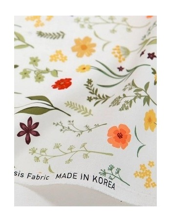 Ткань 100 % Хлопок, Цветочный луг на белом фоне, Плотность 155 г/м2, ширина 110 см.