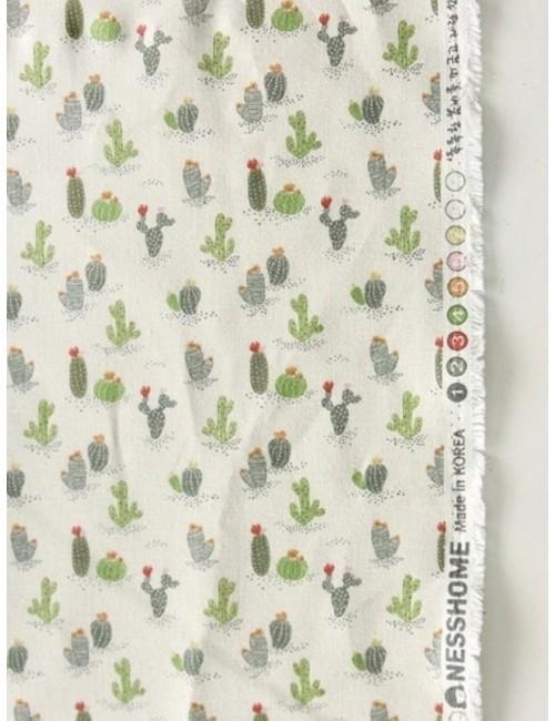 Ткань 100 % Хлопок, Кактусы на молочном фоне, Плотность 155 г/м2, ширина 110 см.