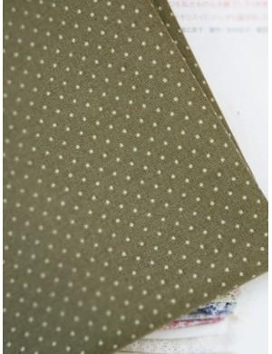 Ткань 100 % хлопок, Горох на зеленом фоне , ширина 110 см, плотность 155 г/м2, производитель Корея