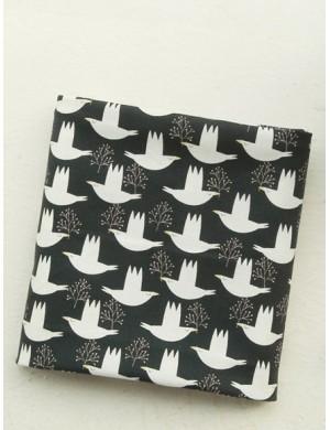 Ткань 100 % хлопок, Птицы на черном , ширина 110 см, плотность 155 г/м2, производитель Корея