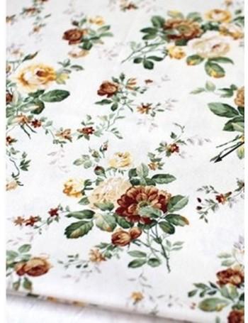 Ткань 100 % Плотный хлопок, Бутоны цветов на ванильном фоне, Плотность 175 г/м2, ширина 110 см.