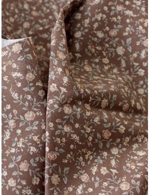 Ткань 100 % хлопок, Маленькие цветочки на коричневом фоне, ширина 110 см, плотность 155 г/м2, производитель Корея