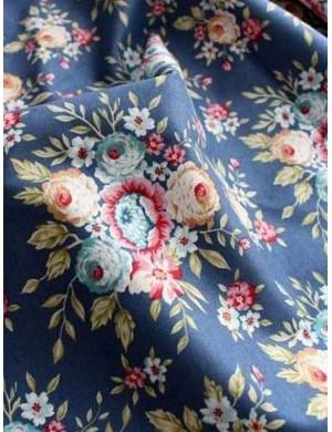 Ткань 100 % хлопок, Цветочный букет на синем фоне, ширина 110 см, плотность 155 г/м2, производитель Корея