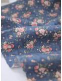 Ткань 100 % хлопок, Розочки на темно-синем фоне, ширина 110 см, плотность 155 г/м2, размер букета 3,5 см