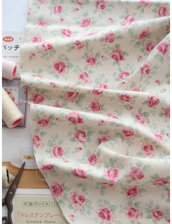 Ткань 100 % хлопок, Шебби розы на молочном фоне, ширина 110 см, плотность 155 г/м2, производитель Корея