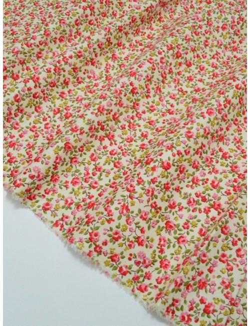 Ткань 100 % хлопок, Розовые цветы на молочном фоне, ширина 150 см, плотность 155 г/м2, производитель Корея