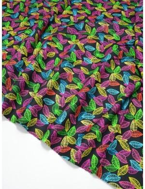 Ткань 100 % Американский хлопок, Разноцветные листики на черном фоне , ширина 110 см, плотность 155 г/м2